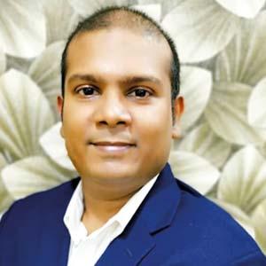 Mahesh Kumar Jaya Kumar, CEO Adnan Mansur, Head of Digital & Innovation , Asia Digital Engineering (ADE)