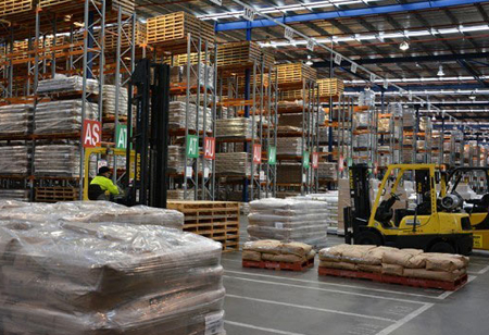 How can Logistics Tech Startups Tackle Warehouse Challenges?